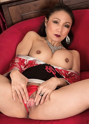 XXX Spread Pussy Pictures