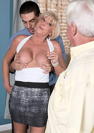 XXX Threesome Pictures